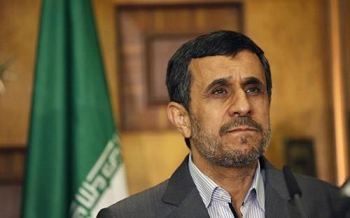 """""""نجاد"""" يعترف بقيامه بمفاوضات سرية بين إيران وأمريكا"""