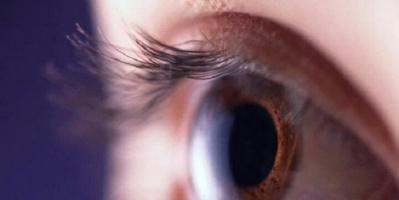 دراسة حديثة : الصداع النصفي يسبب جفاف العين