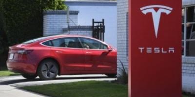 """تسلا تمد أوقات تسليم """"Model 3"""" شهر"""