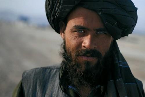 """اختباء مؤسس """" طالبان """" بالقرب من قاعدة أمريكية يكشف إخفاق واشنطن"""