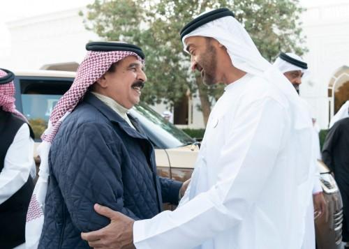 بن زايد يستقبل ملك البحرين