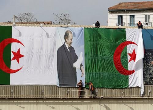 """عاجل: بعد الانسحاب.. """"بوتفليقة"""" يعلن تأجيل الانتخابات الجزائرية"""