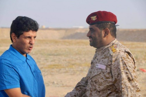 باكريت يتفقد معسكر الشرطة العسكرية بالمهرة (صور)