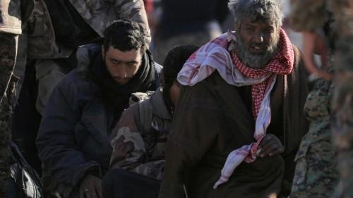 خلال 24 ساعة 3 آلاف داعشي يستسلمون في شرق سوريا