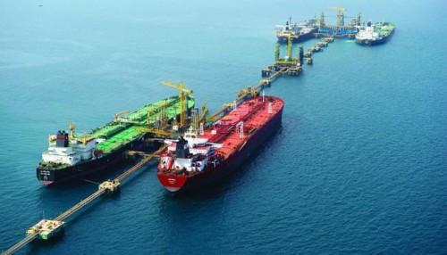 واشنطن: فائض النفط العالمي يساعد في زيادة الحصار على إيران
