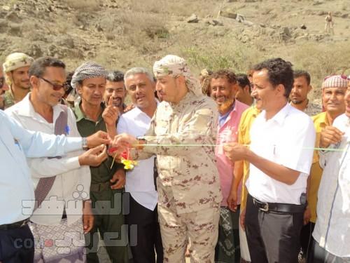 قائد اللواء الخامس يتبرع بـ2 مليون ريال لمدرسة الضباب بحالمين في لحج