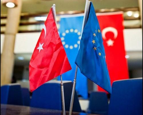 صفعة لأردوغان.. البرلمان الأوروبي يدعو لتعليق انضمام تركيا إلى الاتحاد