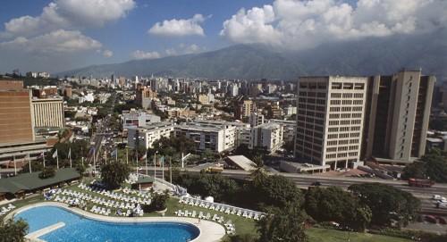 عودة الكهرباء في جميع انحاء فنزويلا