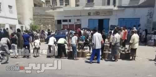 لليوم الثاني.. أزمة انقطاع الغاز بعدن تعيد رواج السوق السوداء
