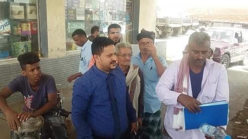 مدير الصناعة والتجارة بلحج يشيد بتوزيع حصص البوتاغاز في ردفان