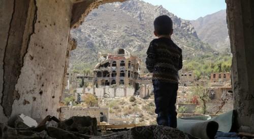 """""""الحرب الحوثية"""" تحرق طفولة 6 ملايين يمني"""