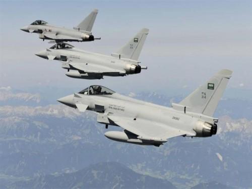 مقاتلات التحالف العربي تطارد العناصر الحوثية في 4 محافظات