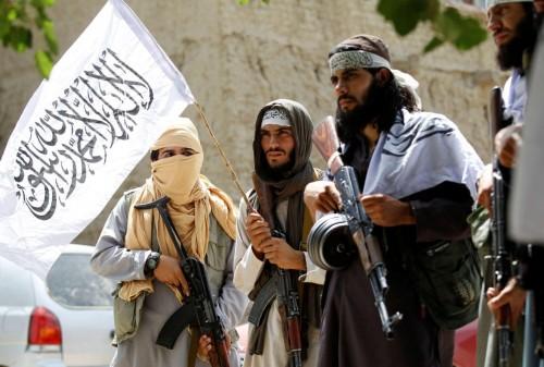 السبت.. وفداً أفغانياً يصل طهران للتفاوض بشأن السلام مع طالبان