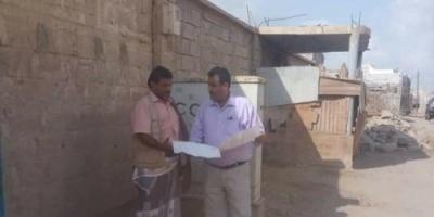 مدير عام اتصالات أبين يتفقد مشروع تأهيل عدد من الخطوط  بأحياء مدينة زنجبار