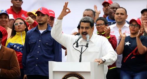 أمريكا تطالب مادورو بالسماح للمساعدات الإنسانية إلى الفنزويليين