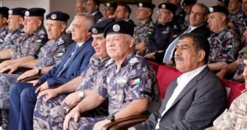 عاهل الأردن يشاهد تمرين تعبوي للدفاع المدني والأجهزة العسكرية بالعقبة
