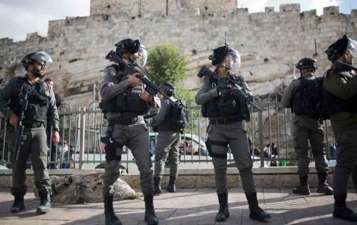 فلسطيني يقتل جندياً إسرائيلياً ويستولى على سلاحه بالضفة