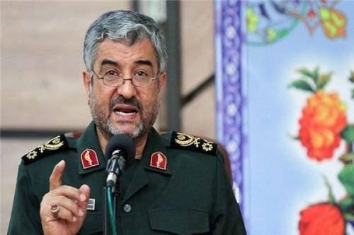 الحرس الثوري الإيراني يعترف بتجنيد 200 ألف عنصراً بالعراق وسوريا