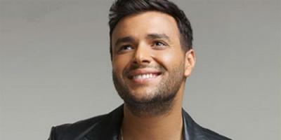 """رامي صبري ينتهي من تسجيل أغنية جديدة بعنوان """" عجبي عليك يا زمن """""""