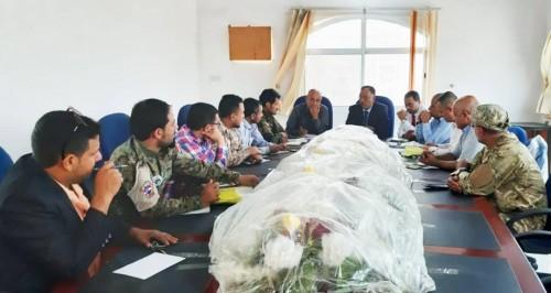 الاتفاق على تشكيل لجنة لمكافحة ظاهرة التهريب إلى عدن