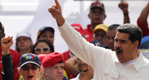 """""""مادورو"""" يعتزم إعادة هيكلة الحكومة في فنزويلا"""