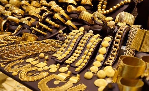 ارتفاع سعر الذهب في ظل تراجع قيمة الدولار (أرقام)