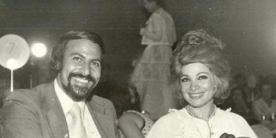 صفية العمري تعتذر عن حضور عزاء زوجها السابق جلال عيسى (تفاصيل)