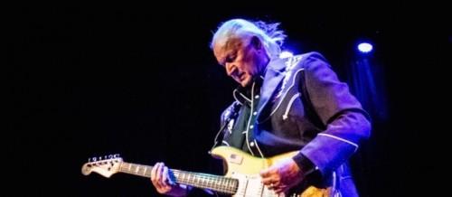 وفاة عازف الجيتار الأمريكي ديك ديل