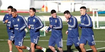 ليونيل ميسي يظهر للمرة الأولى رفقة منتخب الأرجنتين بعد كأس العالم «صور»