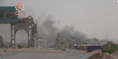 بقذائف الهاون ..مليشيات الحوثي تقصف مواقع القوات المشتركة في مديرية الحالي