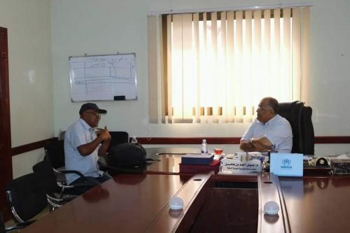 """اجتماع هام بين """"مدير المكلا"""" ومسئول البرنامج الإنمائي التابع للأمم المتحدة"""