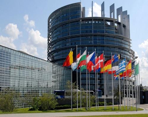 """عاجل.. """" قنبلة """" بالقرب من مقر الاتحاد الأوروبي بالعاصمة البلجيكية"""