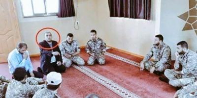 أمجد طه ينشر صورة أحد ضباط حماس يد إيران في فلسطين