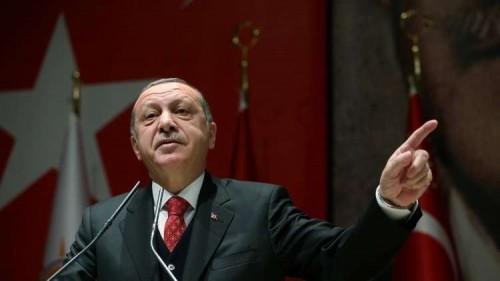 أعلام وموسيقى حزب أردوغان تدنس المساجد (فيديو)