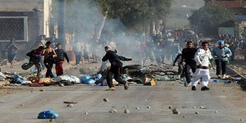 سياسي: الجزائريون يريدون رحيل النظام الفاسد