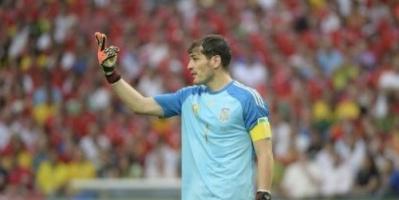 بورتو البرتغالي يمدد عقد كاسياس حتى عام 2020