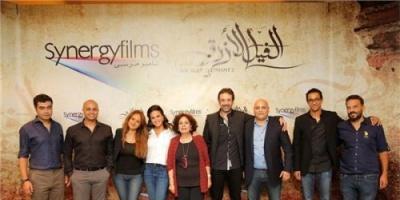 """شاهد أحدث سيلفي لكريم عبد العزيز وأبطال """" الفيل الأزرق 2 """""""