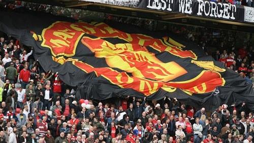 مانشستر يونايتد يخفض سعر تذاكر مباراته مع برشلونة في دوري الأبطال