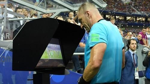 استخدام تقنية الفيديو بداية من الموسم المقبل في الدوري الألماني