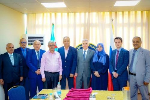 السفير الروسي يلتقي عددا من أعضاء هيئة رئاسة المجلس الانتقالي في عدن (صور)