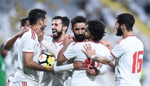 لاعب الإمارات يشيد بروح لاعبي المنتخب