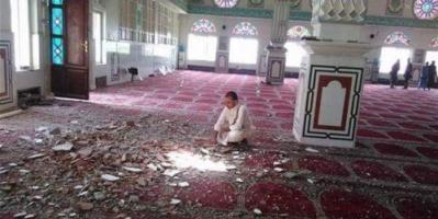 المساجد بين قصف الحوثي واغتصاب الإخوان.. مفسدون يتجرؤون على الله