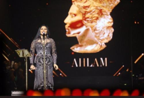 أحلام تتألق بحفلها بمسرح الملك فهد بالسعودية (صور)