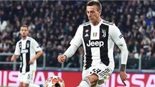 برنارديسكي يرتدي الرقم 10 رفقة منتخب إيطاليا