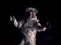 """شاهد الإعلان الأول لفيلم ناتالي بورتمان المقبل """"LUCY IN THE SKY"""" (فيديو)"""