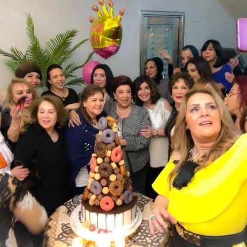 نجمات الفن يحتفلن بعيد ميلاد بوسي شلبي (صور)