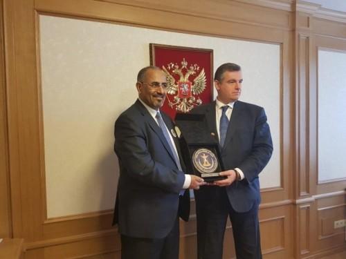 رئيس المجلس الانتقالي الجنوبي يختتم زيارته إلى موسكو