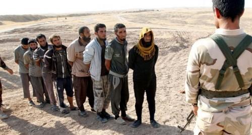 الجزائر تتسلم 29 داعشياً كانوا يقاتلون في سوريا