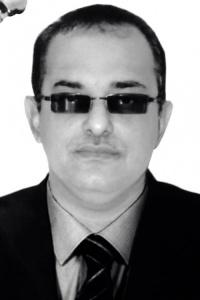 وزير الخارجية اليمني .. وتحدي السفير