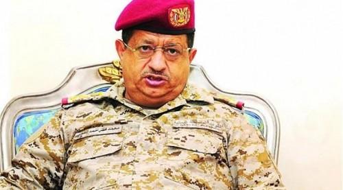 تعثر قوات الجيش.. المقدشي يغطي على فساد الأحمر بحجج واهية